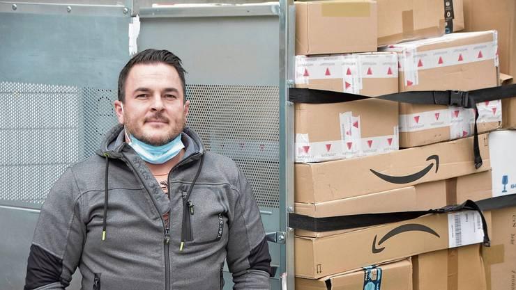 Paketshop-Betreiber Maik Gregl hat seine Kunden bereits über die Ausnahme von der Quarantänepflicht informiert.