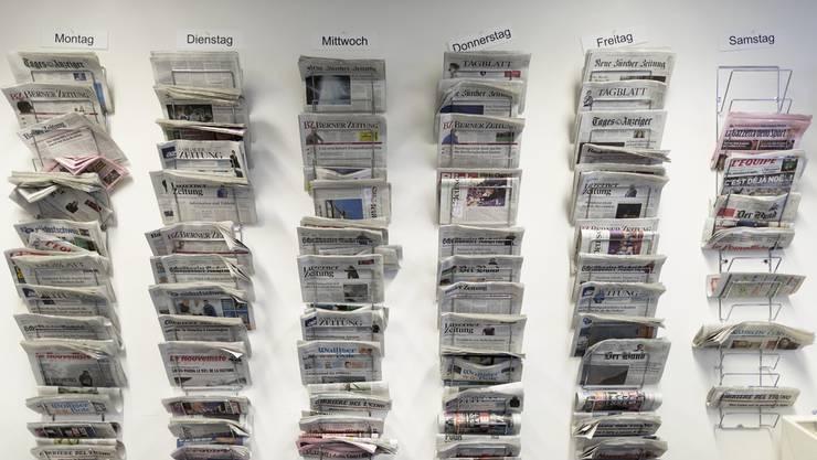 Unter dem zunehmenden Einfluss der Internetkonzerne verlieren die Schweizer Informationsmedien weiter an Boden. (Symbolbild)
