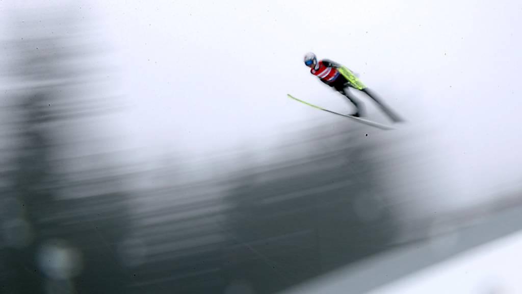 Simon Ammann springt in die Top 20