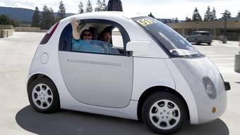 Der Prototyp eines selbstfahrenden Autos, den Google im Mai 2015 der Öffentlichkeit vorstellte. (Archiv)