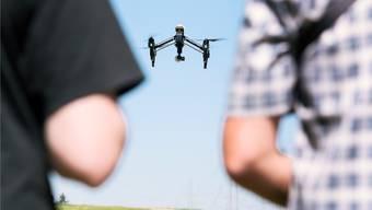 Im Reinacher Wald übten Drohnenpiloten für ihre Rennen. (Symbolbild)