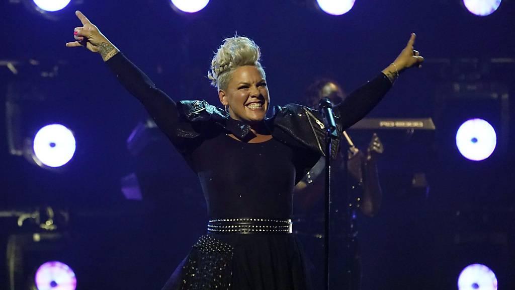 Sängerin Pink gehört zu den Unterzeichnerinnen des offenen Briefes. Foto: Chris Pizzello/Invision/AP/dpa