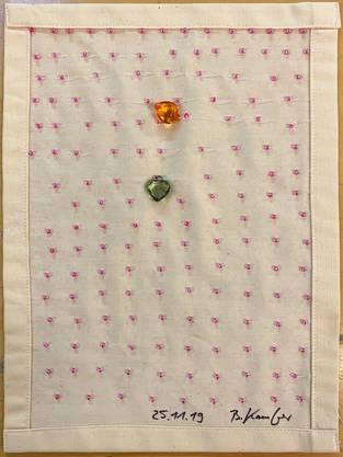 ... und schlichte Textilkunst auf der anderen Seite.