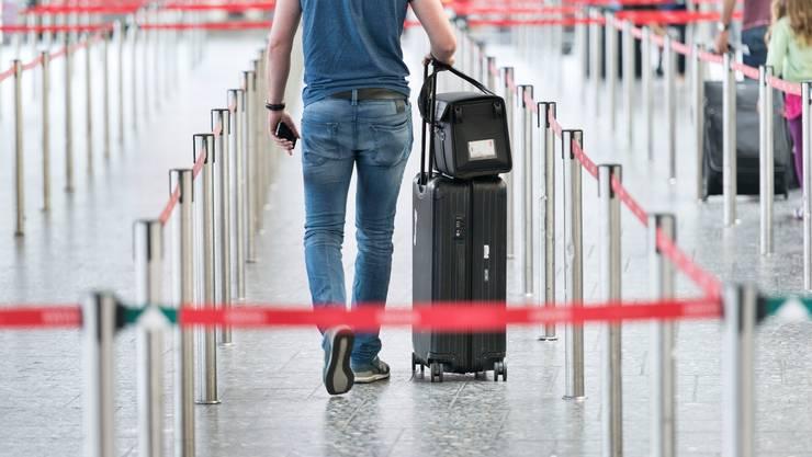Viele Schweizerinnen und Schweizer stornieren derzeit ihre Reisen, doch ihre Lust zu Reisen nimmt nicht ab, wie eine Studie der ZHAW zeigt. (Symbolbild)