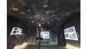 Im Cabaret Voltaire:Mit Dias, Filmen und 165 Namen an der Decke wird die Geschichte des Dadaismus rekonstriert