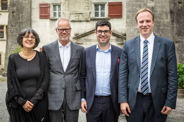 Sozialdemokratisch (v.l.): SP-Grossrätin Kathrin Scholl mit Mann Pascal; Nationalrat Angelo Barrile (SP/ZH) mit Partner und SP-Grossratspräsident Marco Hardmeier.