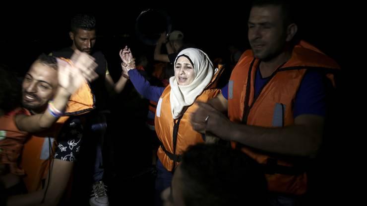 Tag ein Tag aus - auch in der Nacht kommen Flüchtlinge in Kos an.
