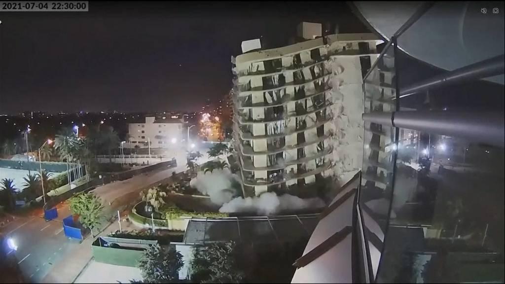 Zu instabil und gefährlich: Reste von eingestürztem Hochhaus in Miami gesprengt
