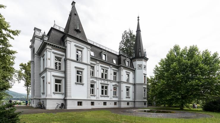 Einblicke in das Schloss und die laufenden Renovationsarbeiten.