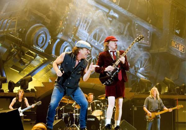 Leadsänger Brian Johnson und Gitarrist Angus Young.