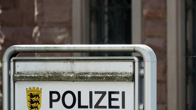 Ein Polizeischüler hat auf einem deutschen Polizeipräsidium offenbar versehentlich einen Mit-Auszubildenden erschossen. (Symbolbild)
