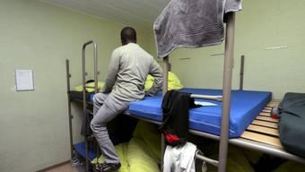 Asylsuchender in einer Schweizer Asylunterkunft (Archiv)