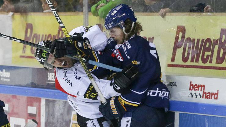 Voller Derby-Einsatz: Bryce Gervais im Zweikampf mit Mathieu Maret.