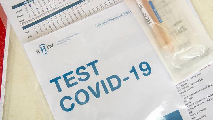 Die neuen Ansteckungen mit dem Coronavirus bleiben auf tiefem (Symbolbild)