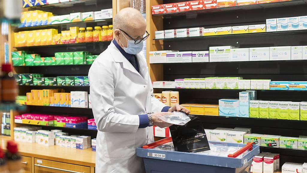 Die Apotheker in der Schweiz waren am Mittwoch stark mit der Herausgabe von Antigen-Schnelltests beschäftigt.
