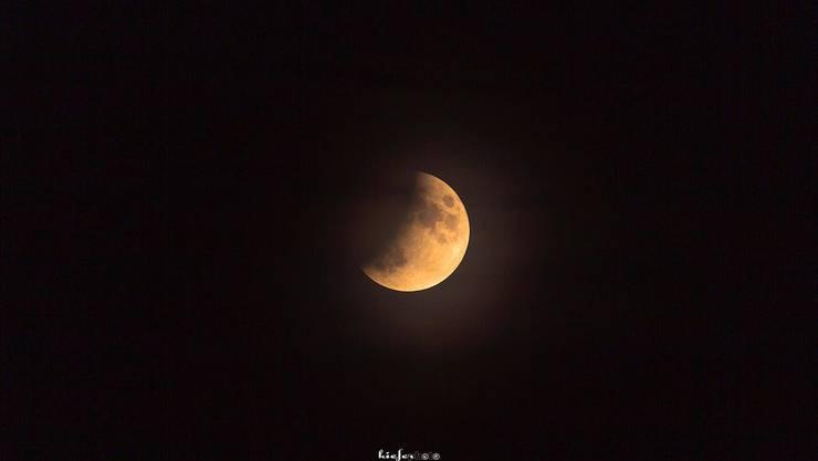 Die partielle Mondfinsternis, aufgenommen vom Balmberg aus.