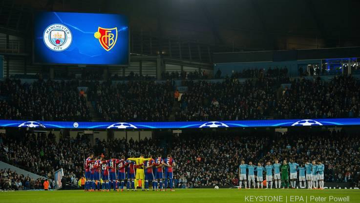 Vor der Partie gab es eine Schweigeminute für den Verstorbenen Fiorentina Captain Astori.
