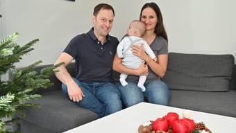 Ivana Müller-Ravlic und Christian Müller geniessen ihre erste Weihnachtszeit als kleine Familie.