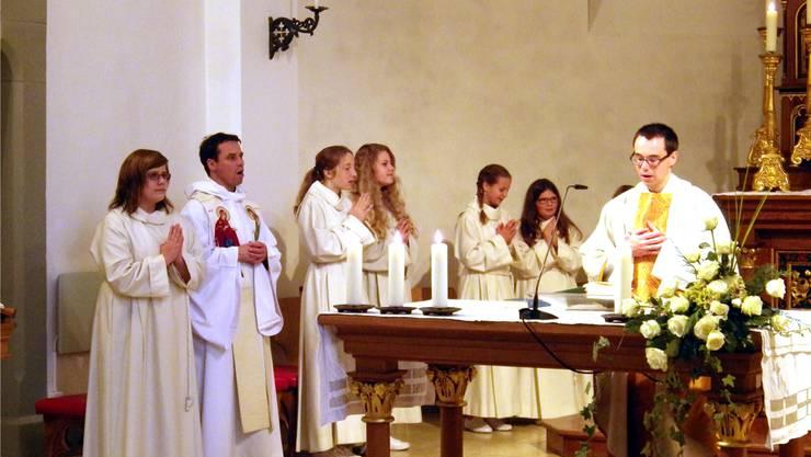 Roger Brunner liest die Messe anlässlich seiner Nachprimiz.