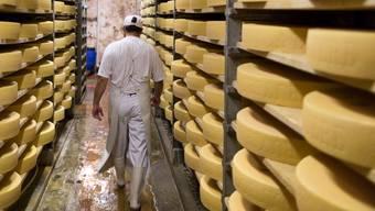 Gruyère-Lager: Können die Schweizer Käsereien vom Boykott der europäischen Konkurrenz profitieren? Gaetan Bally/KEYSTONE