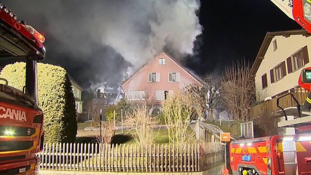 Eine Person bei Hausbrand in Beringen verletzt