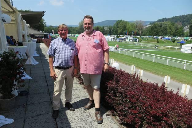 Peter Bieri, Präsident des Kantonalverbandes der Aargauer Kynologen (KVAK, links), und Andreas Rogger, Geschäftsführer der Schweizerischen Kynologischen Gesellschaft (SKG).