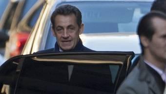 Frankreichs Präsident Sarkozy freut sich über Tochter