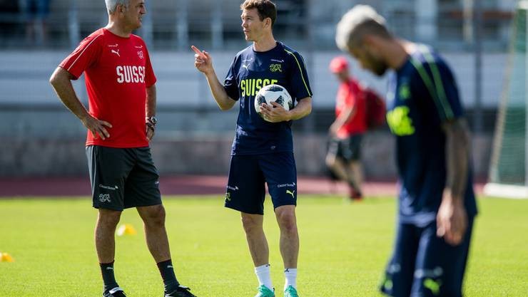 Stephan Lichtsteiner sagt, die Kommunikation zwischen ihm und Nationaltrainer Vladimir Petkovic funktioniere einwandfrei.
