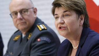 Verteidigungsministerin Viola Amherd stellt die Armeebotschaft 2019 vor. Diese ist über 2 Milliarden Franken schwer.