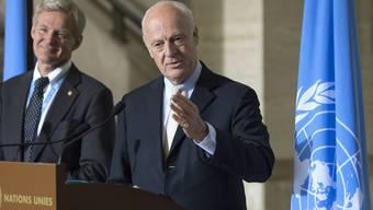 Jan Egeland (links) und Staffan de Mistura am Donnerstag in Genf.