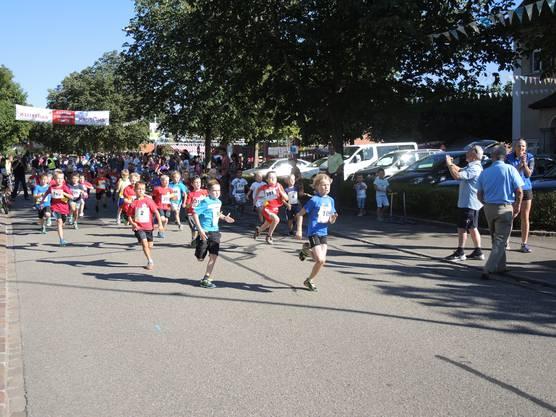 Die Kategorie Knaben startete bei bestem Rennen in Untersiggenthal