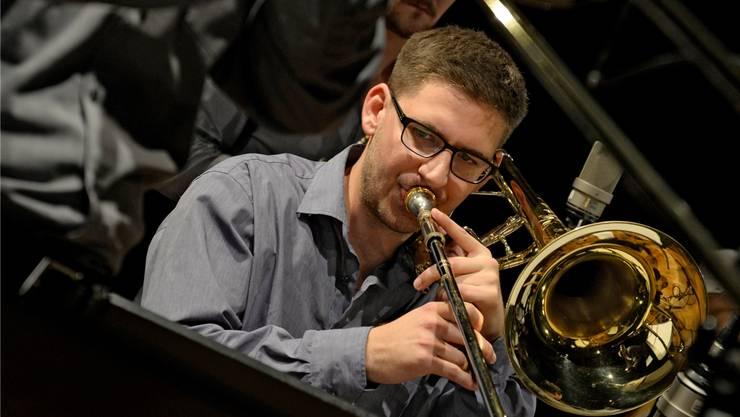 Jonas Beck beim Masterkonzert mit der Bigband.