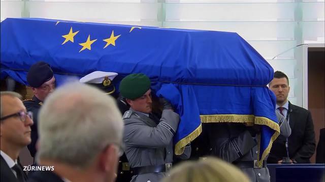 Trauerfeier: Helmut Kohl wird die letzte Ehre erwiesen