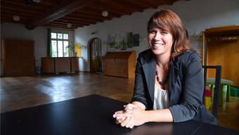 Christa Hausherr im etwas umgestalteten «Ochsen»-Saal: Hier gibt es genügend Platz für vielerlei Aktivitäten. ES