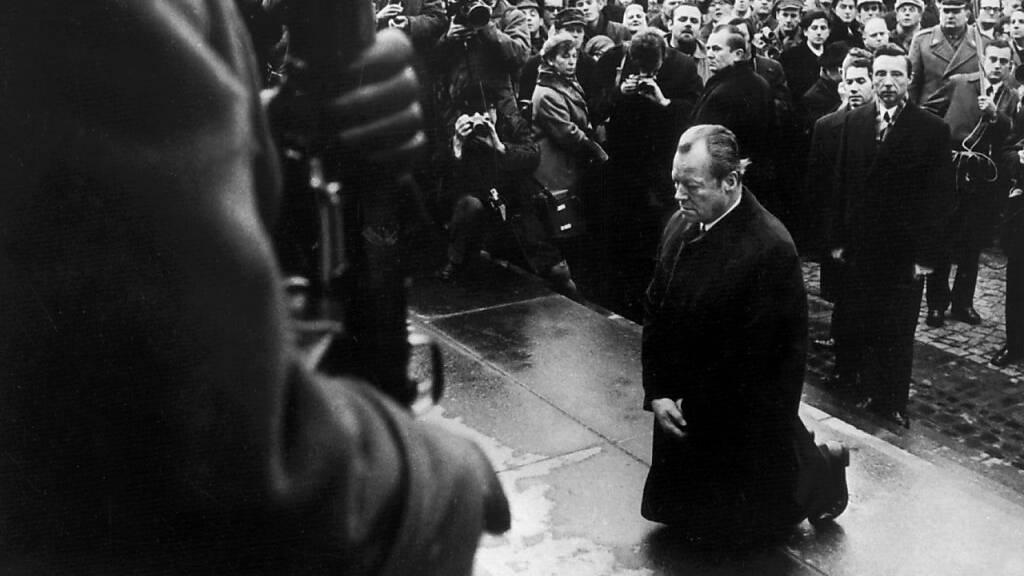 SPD-Chef erinnert in Warschau an Kniefall Willy Brandts
