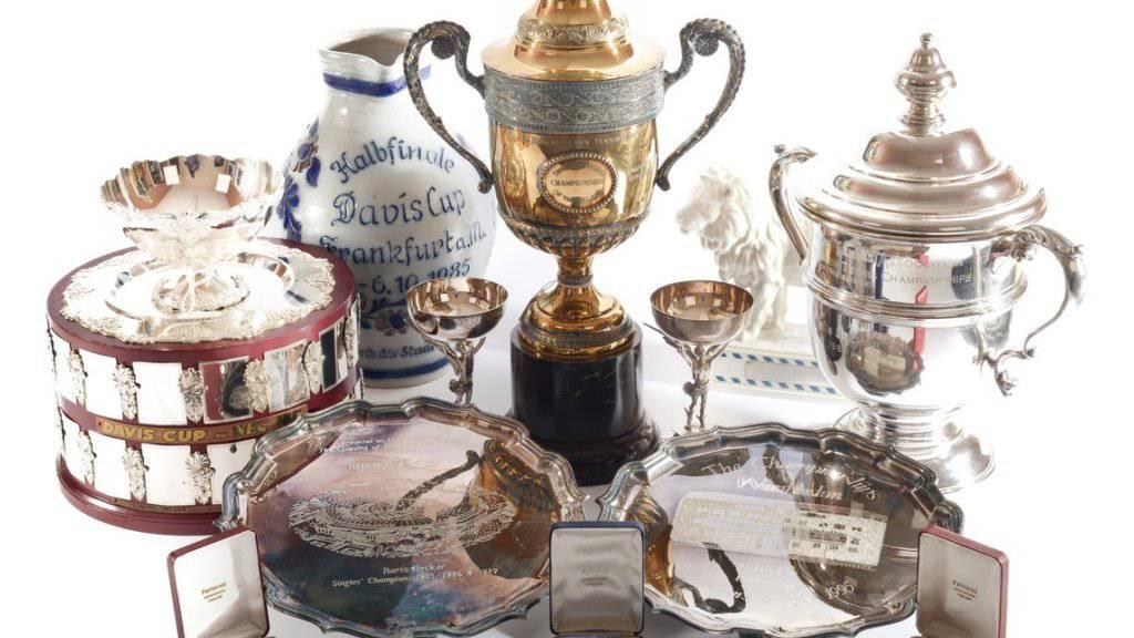 Insgesamt stehen 82 Objekte zum Verkauf, auch Schläger, Fotos und Uhren des einstigen Tennis-Weltranglistenersten Boris Becker.