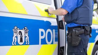 Ein Jugendlicher wird laut Staatsanwaltschaft Basel-Stadt «dringend verdächtigt» drei Raubdelikte begangen zu haben. (Symbolbild)