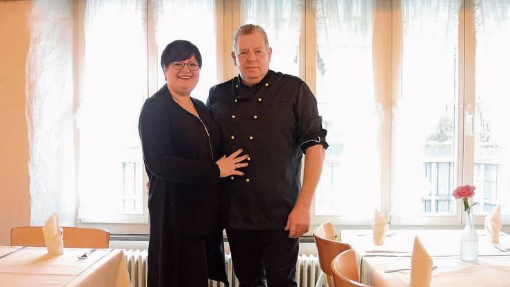 Ivonne und Stephan Haarbach servieren italienische Gerichte mit Pizzen zum Mitnehmen am Abend.