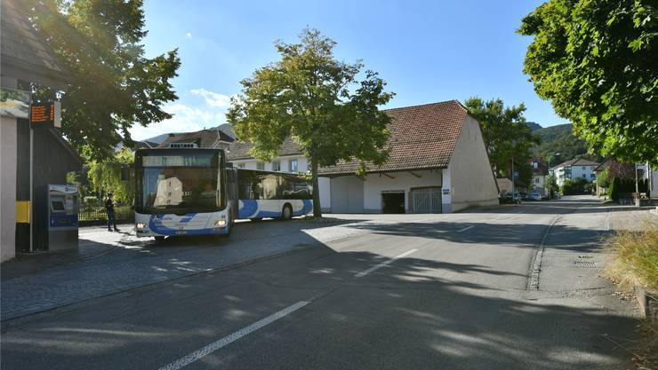 Lostorf sagt ja zur Sanierung der Hauptstrasse Nord (im Bild: Dorfplatz mit Bushaltestelle).