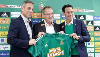 Fredy Bickel bei der Präsentation als neuer Sportchef bei seinem neuen Arbeitgeber, Rapid Wien.