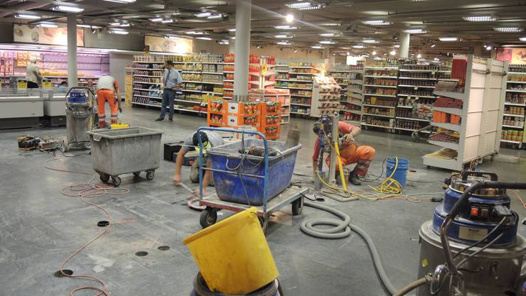 Die Umbauarbeiten im hinteren Ladenbereich schreiten voran...