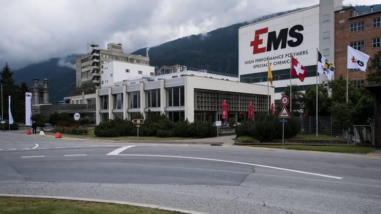 Die EMS-Gruppe erzielte wegen der gesunkenen Nachfrage nach industriellen Gütern im ersten Halbjahr 2020 weniger Gewinn.