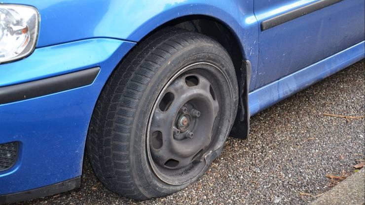 Das beschädigte Auto des Münchensteiner Irrfahrers.