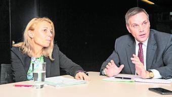 Weder Yvonne Feri (SP) noch Jean-Pierre Gallati (SVP) möchten das Regierungsratsamt sofort antreten.