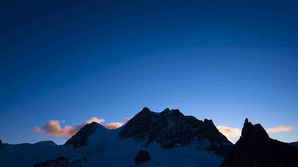 Alpinist stürzt beim Abstieg von der Jungfrau in den Tod