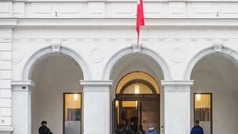 Die Staatsanwältin des Bundes forderte für die vier angeklagten Iraker am Dienstag Haftstrafen von 2,5 bis 7,5 Jahren. Im Bild das Bundesstrafgerich in Bellinzona.