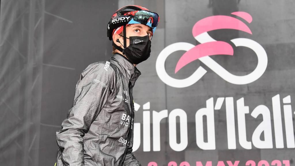 Gino Mäder kratzt am Giro d'Italia an einem Etappensieg und am Maglia rosa