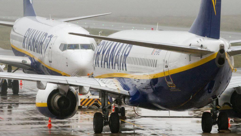Einige Verspätungen, aber keine Totalausfälle: Der erste Pilotenstreik bei Ryanair mit drohenden Flugausfällen kurz vor den Weihnachtsfeiertagen hat die Passagiere zunächst nicht so hart getroffen wie befürchtet. (Archiv)