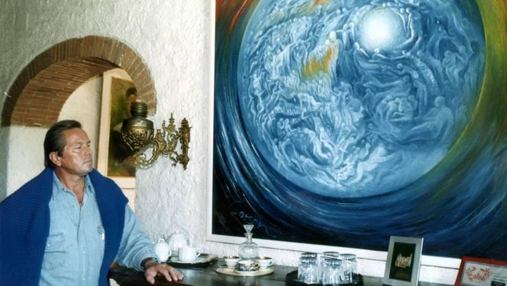 «Don Raffi» 1994 auf seinem Weingut in der Toskana. An der Wand ein Gemälde seines Vaters.