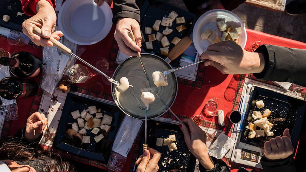 Was isst man an Weihnachten? Oftmals Fondue aller Art, Filet,  ab und zu Geflügel, ganz selten eine Gans. (Symbolbild)